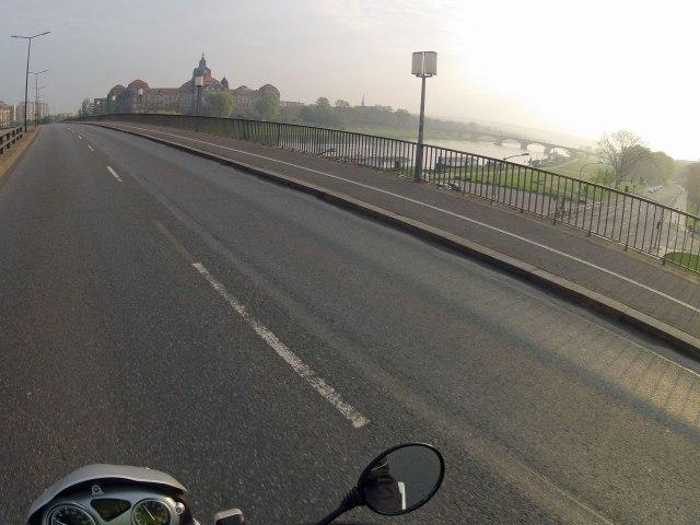 1 Dresden-Elbbrücke