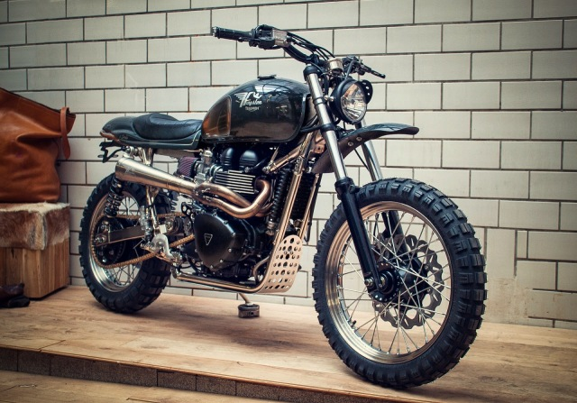 Kingston Triumph Scrambler 900 il Sardo 2