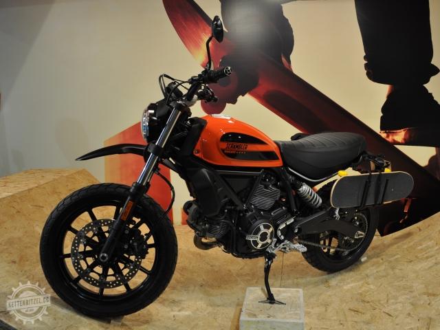 EICMA_Ducati_Scrambler_Sixty2