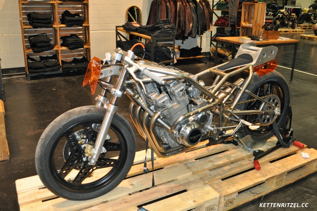 intermot_custombikes_shiny_harry_i